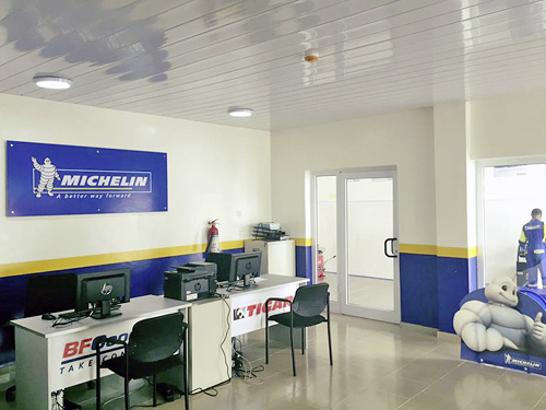 Our air conditioned reception area and customer lounge.